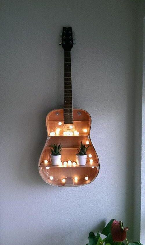 guitare-upcycling-deco-armoire-lit