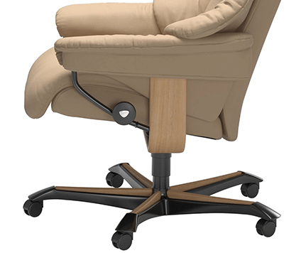 LaMaisonConvertible_Relax_Stressless_Reno_Office_424x356_Edito2